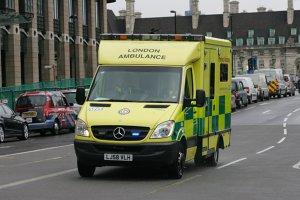 Un bărbat a murit după ce s-a incendiat în faţa reşedinţei prinţului William, în Londra