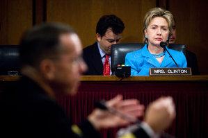 FBI confirmă că efectuează o anchetă cu privire la e-mailurile lui Hillary Clinton