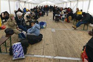 UE vrea să ia bani de la statele est-europene pentru a rezolva criza imigraţiei