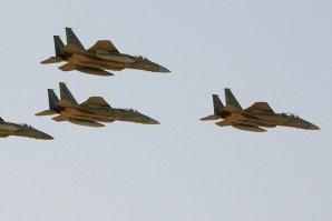 Arabia Saudită pregăteşte militari şi avioane pentru o intervenţie armată în Siria
