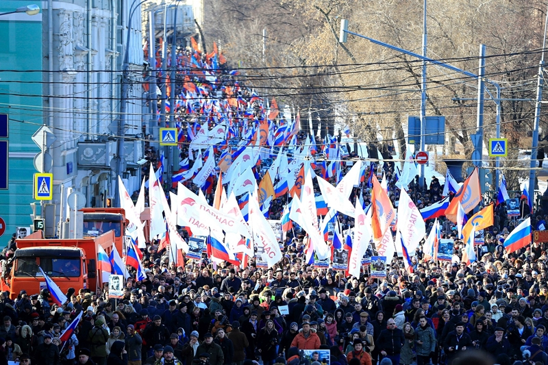 Zeci de mii de oameni, în stradă la Moscova pentru a marca un an de la moartea lui Nemţov