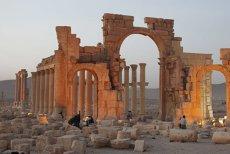 Ofensiva împotriva SI a ajuns la Palmira. Ce a mai ramas din celebrele vestigii istorice