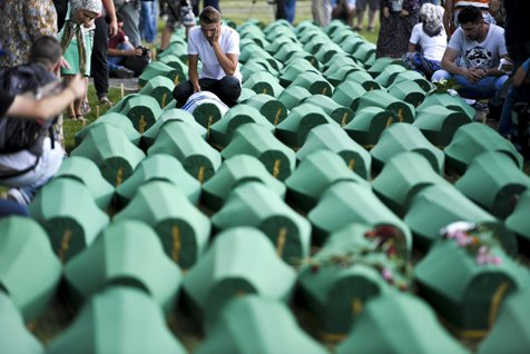 Radovan Karadzic, 40 de ani de închisoare pentru genocidul de la Srebreniţa
