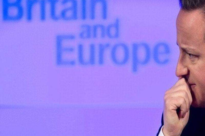 """Lovitură de teatru în Marea Britanie: David Cameron şi-a """"amintit"""" că a avut  fonduri într-un offshore din Panama"""
