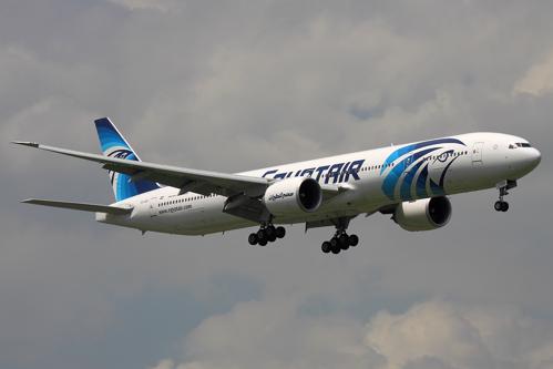 Alertă de fum la bordul avionului EgyptAir, cu câteva minute înainte de prăbuşire. UPDATE