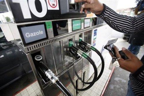 Situaţie disperată în Franţa: ţara apelează la rezerva strategică de combustibili