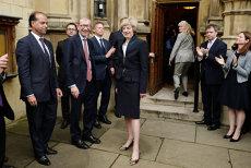 Numirile-surpriză din noul guvern de la Londra. Cine va negocia ieşirea oficială a Marii Britanii din UE