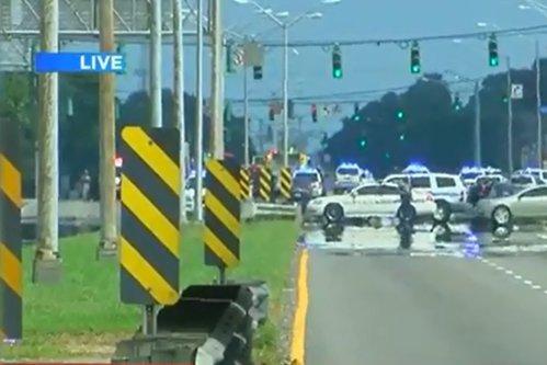 Atac armat în SUA. 6 poliţişti, împuşcaţi în Baton Rouge. Trei dintre ei au murit