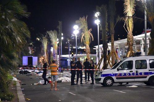 O poliţistă franceză susţine că a fost pusă să ascundă adevărul, după atacul de la Nisa