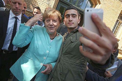 Merkel: Nu refugiaţii au adus terorismul în Germania