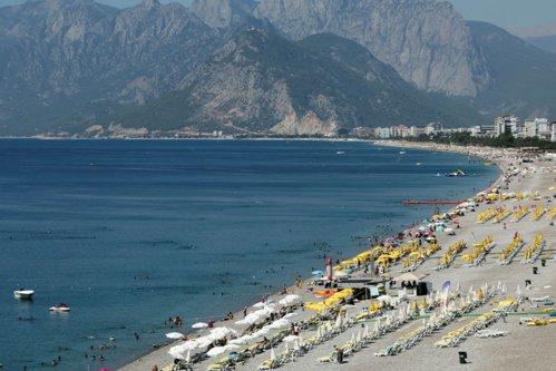 Antalya, lovită de două rachete