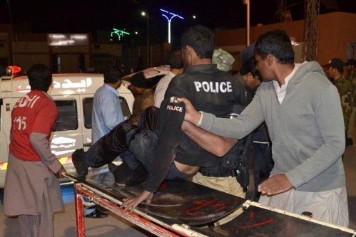 Masacru în Pakistan. 59 de elevi ai unei şcoli militare ucişi, 117 răniţi într-un atac revendicat de ISIS
