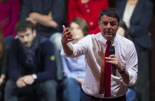 """Premierul Italiei A DEMISIONAT, după înfrângerea în referendum. Renzi: """"Experienţa guvernului meu se sfârşeşte aici"""". UPDATE"""