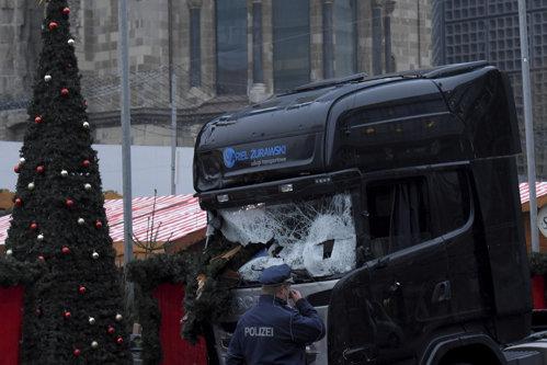 Serviciile italiene l-ar fi utilizat ca informator pe autorul atentatului de la Berlin. Reacţia Romei