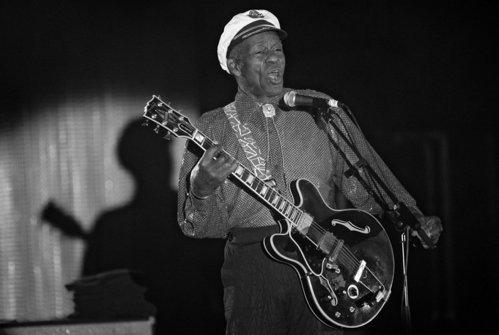 Fenomenul rock'n'roll, Chuck Berry, a murit la 90 de ani