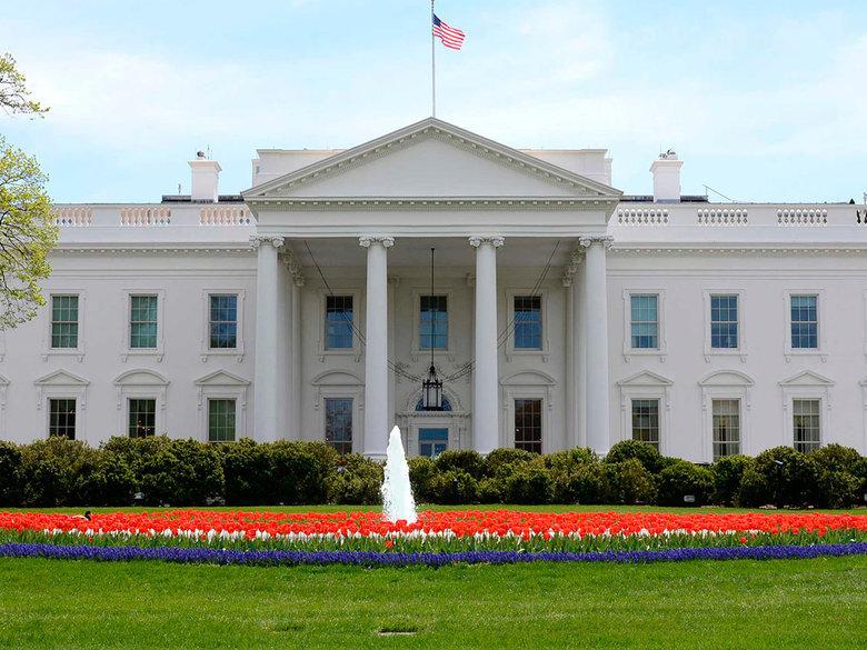 Alertă la Casa Albă, după ce şoferul unei maşini a anunţat paznicii că are o bombă la bord