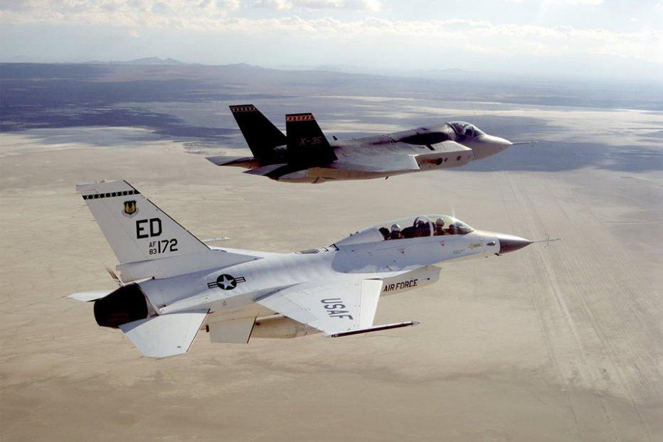 Israelul ameninţă Siria cu bombardamente, dacă va încerca să îi doboare avioanele militare