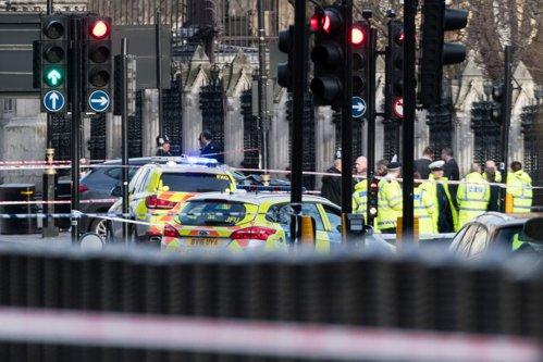 Cine sunt cei doi români răniţi în atacul terorist de la Londra. Femeia, în stare CRITICĂ, bărbatul externat. Şapte suspecţi, arestaţi. LIVE UPDATE