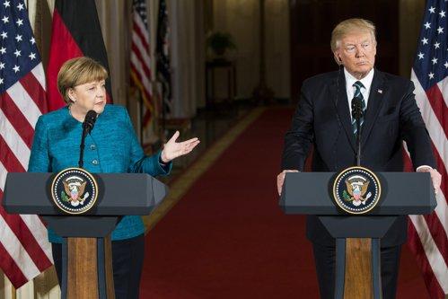 """Trump cere Germaniei să plătească """"datoria"""" de sute de miliarde de euro către NATO şi SUA: """"Este revoltător!"""""""