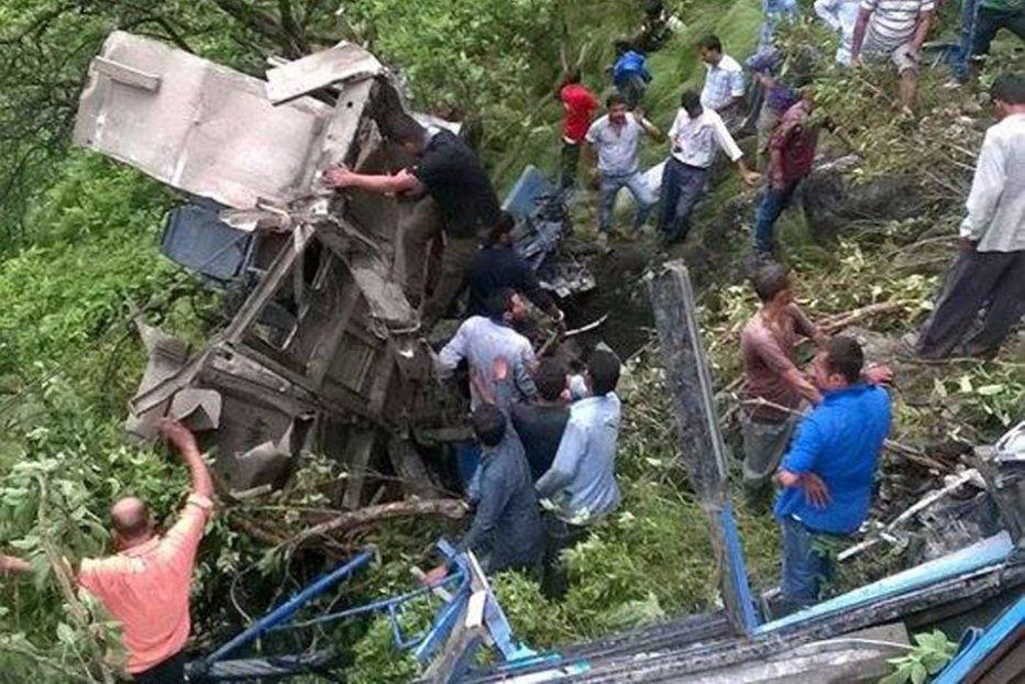 Cel puţin 44 de morţi în urma unui accident de transport în India