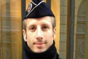Povestea impresionantă a poliţistului ucis în atacul terorist de pe Champs-Elysees. Xavier Jugele venise la o întâlnire de rămas bun cu colegii