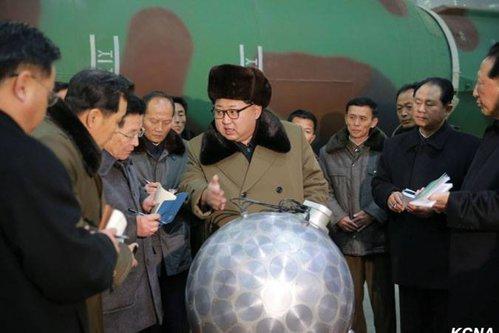 """Arsenalul pregătit de Coreea de Nord pentru """"a şterge"""" SUA de pe hartă. """"Pământul va fi distrus"""""""