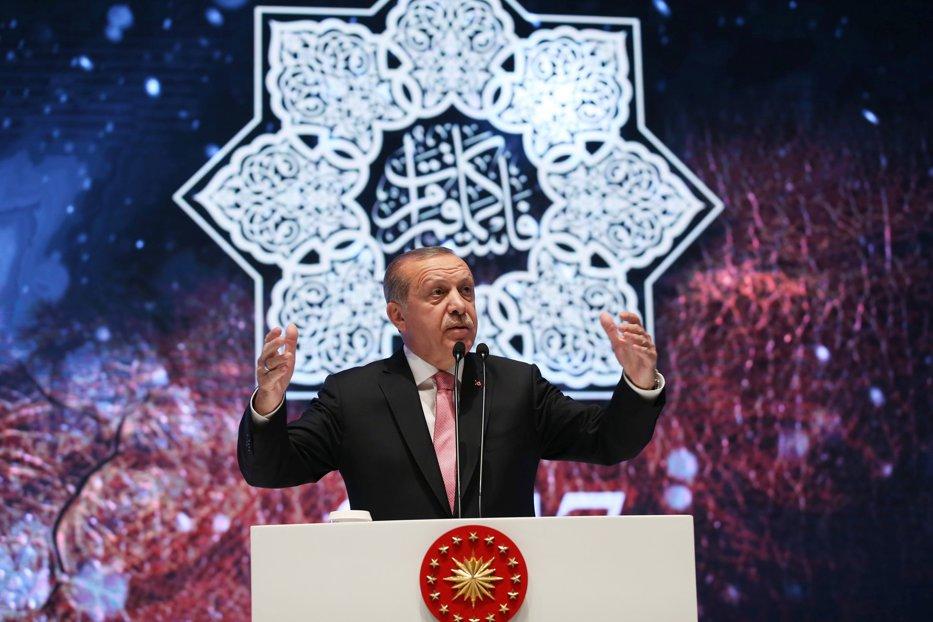 Prima întâlnire între Erdogan şi oficialii europeni după referendumul care i-a conferit putere totală