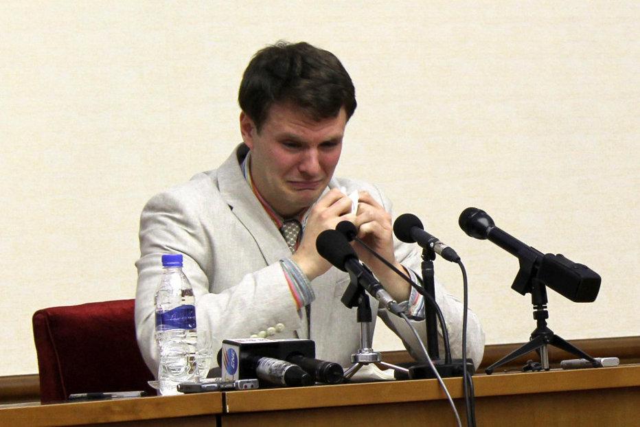 Un cetăţean american a fost eliberat din Coreea de Nord. Reacţia familiei când a aflat că tânărul de 22 de ani este în comă
