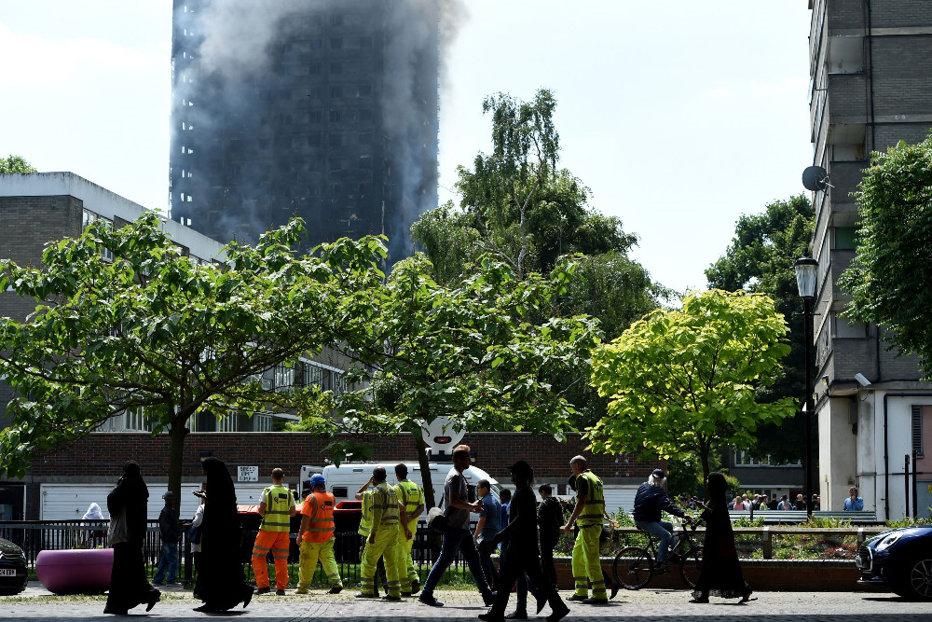 Liderul opoziţiei din Marea Britanie, atac la autorităţile locale după incendiul din Londra