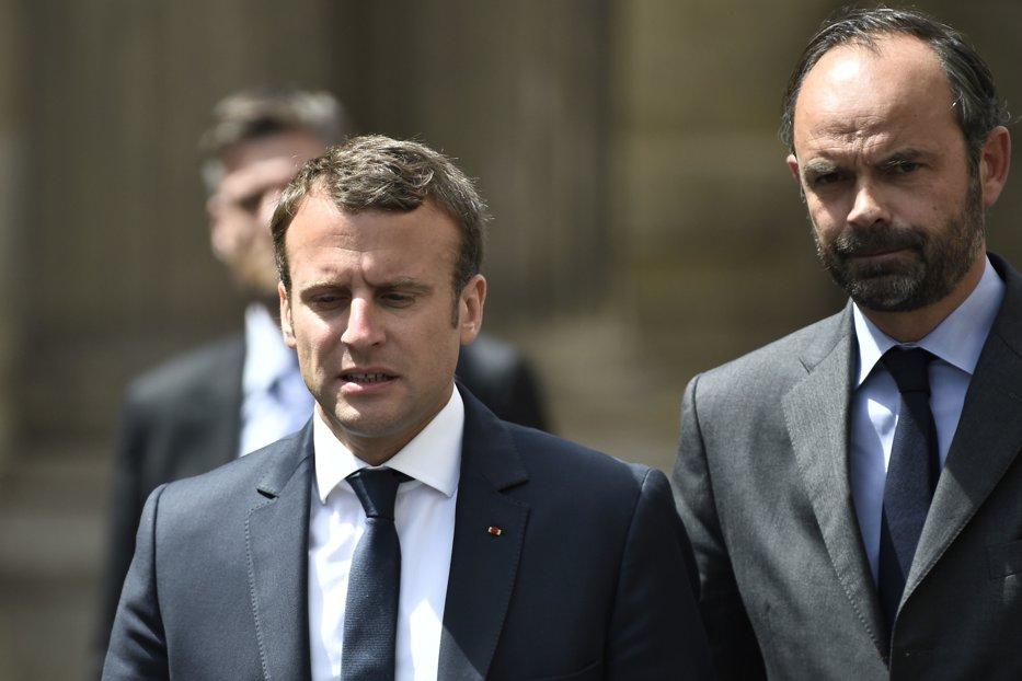 Pe cine a ales Macron să formeze noul guvern al Franţei