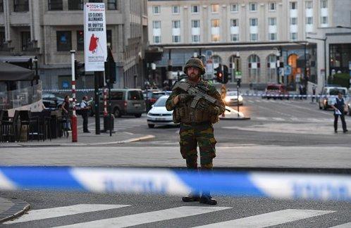 Autorul atacului terorist din Bruxelles a fost identificat. Cât de puternică era bomba pe care o avea asupra sa