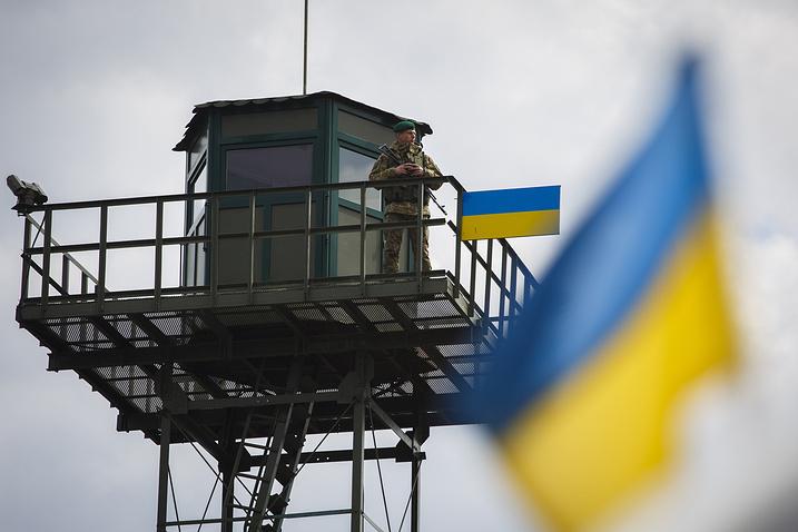 Ucraina, decizie fără precedent la adresa cetăţenilor ruşi care vor să îi treacă graniţa. Controlul la care vor fi supuşi