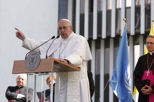 """Apropiaţi ai Papei Francisc acuză SUA de o """"geopolitică apocaliptică"""