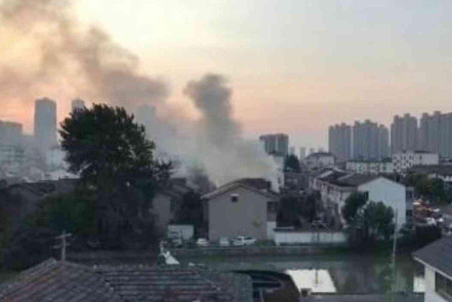 Clădire rezidenţială din China, cuprinsă de incendiu. Cel puţin 22 de morţi