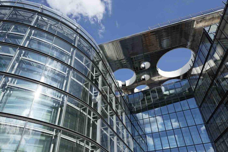 O mare bancă europeană, amendată în SUA cu aproape 250 de milioane de dolari