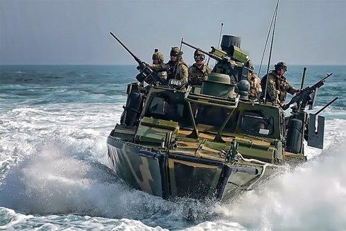 SUA şi Iran, la un pas de război în Golful Persic: O navă militară americană a deschis focul spre un vas iranian