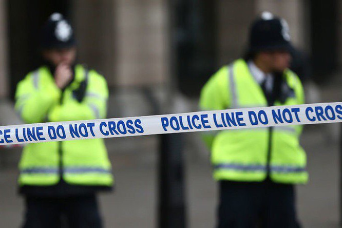 Alertă la Londra: cel puţin trei oameni, răniţi, după ce au deschis un plic într-un restaurant