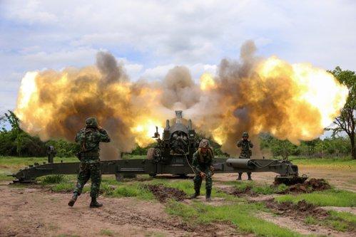China AMENINŢĂ că va interveni militar dacă SUA încearcă înlăturarea regimului Kim Jong-un