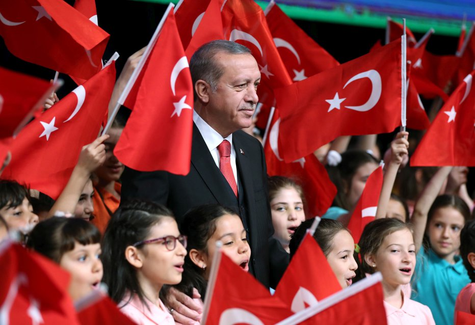 Cum arată fiica lui Erdogan. A făcut şcoala la Londra şi este considerată una dintre cele mai frumoase turcoaice