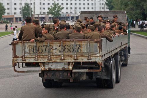 Coreea de Nord se pregăteşte de război cu SUA: 3,5 milioane de civili, înrolaţi în Armată
