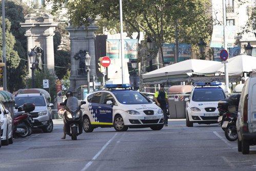 Doi români răniţi în atacul terorist de la Barcelona. Ultimul bilanţ al victimelor: 13 morţi şi cel puţin 80 de răniţi. Un atacator a fost reţinut şi un altul ucis. LIVE