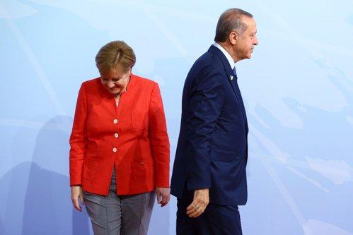 Răzbunarea lui Erdogan pe Merkel. Mesajul transmis celor 3 milioane de turci din Germania