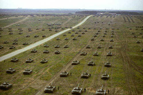 Rusia se pregăteşte de o invazie. Avertismentul statelor NATO, după ce presa scrie că Putin va trimite în Belarus 100.000 de militari