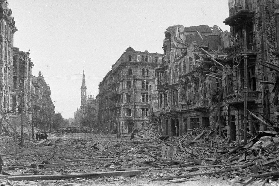 Polonia a cerut Germaniei un trilion de dolari, reparaţii materiale pentru cel de-al Doilea Război Mondial. Astăzi a venit răspunsul de la Berlin
