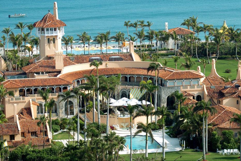 Locuitori din Florida i-au cerut lui Trump să găzduiască victimele uraganului în reşedinţa sa luxoasă, Mar-a-Lago. Ce a făcut preşedintele SUA
