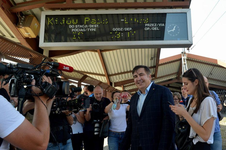 Tensiuni la graniţa Ucrainei: Fostul guvernator al regiunii Odesa a forţat un cordon de militari şi a intrat în ţară. Panică la Kiev