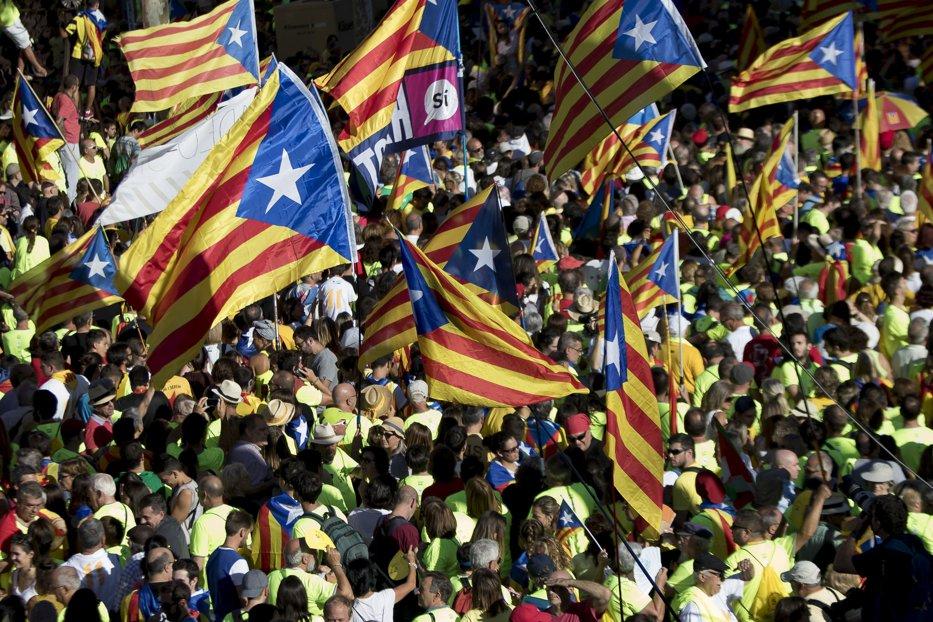 Peste 700 de primari din Catalonia, anchetaţi de procurori. Guvernul de la Madrid face tot posibilul pentru a împiedica referendumul privind independenţa