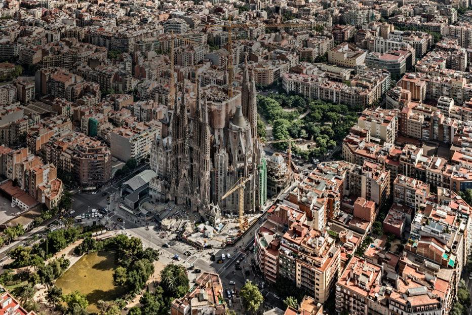 Explozie la o brutărie din Barcelona. Cel puţin 21 de răniţi