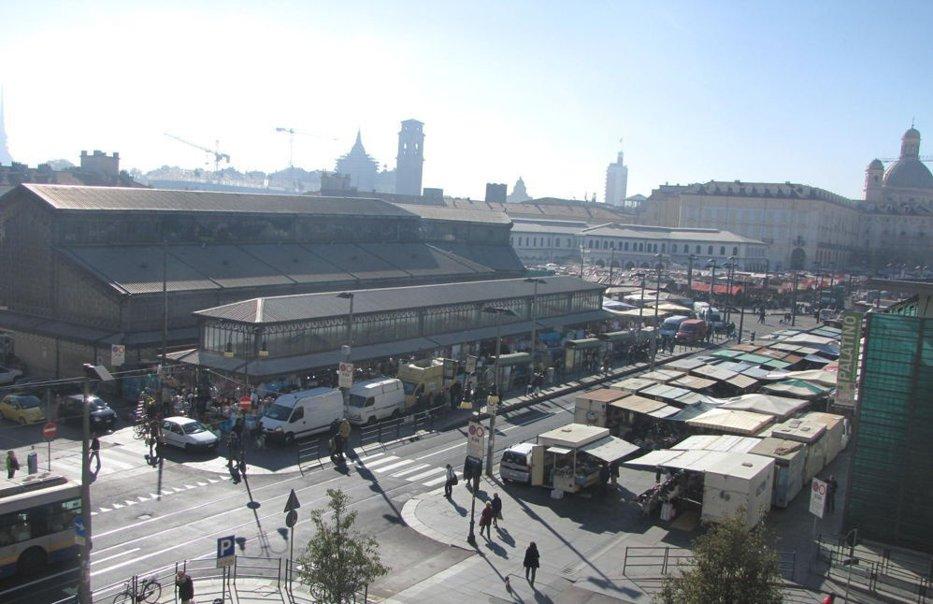 Un român înarmat a creat panică în centrul oraşului italian Torino. Ce au descoperit poliţiştii care l-au imobilizat