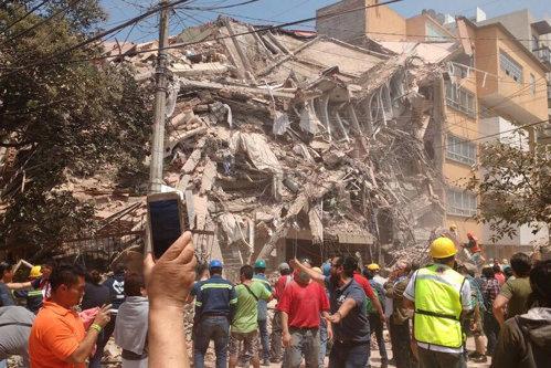 Peste 200 de morţi în urma cutremurului de 7,1 grade în Mexic. O şcoală s-a prăbuşit peste copii. UPDATE